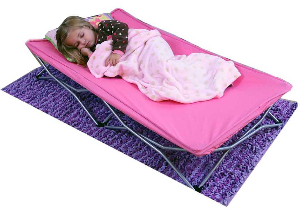 surprise-uses-for-a-foldable-mattress_02